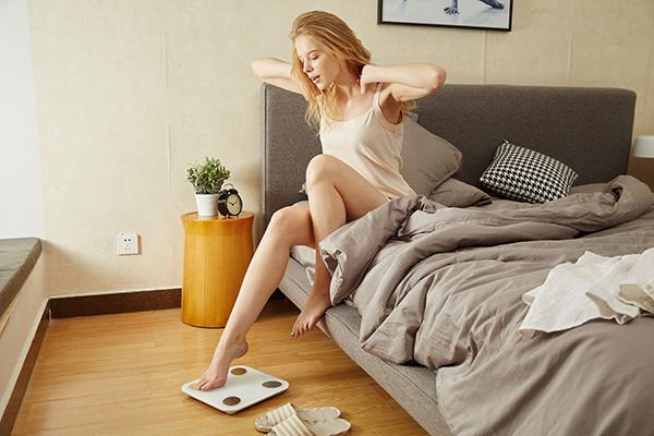 ダイエット中は夜や眠る前におやつを食べることは避けましょう