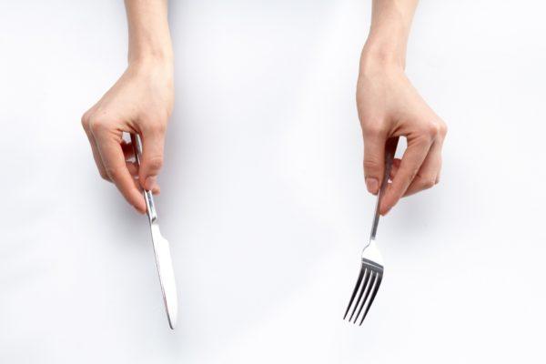 夜に食べても太らない食べ物の条件