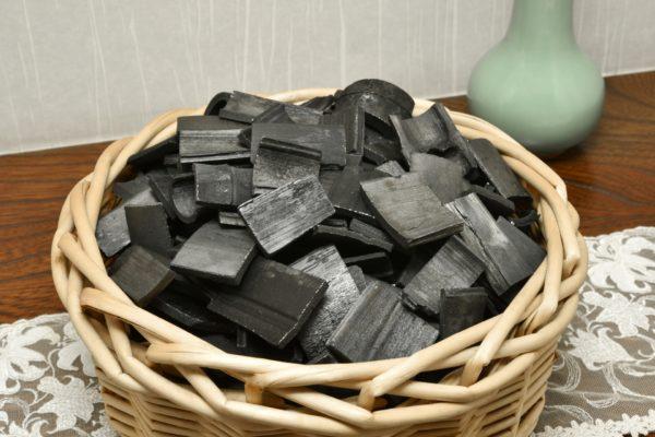 炭を飲んで痩せる?チャコールダイエットの効果ややり方