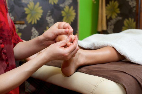足の指を回すだけで痩せる?簡単に出来るダイエットの効果がすごい!