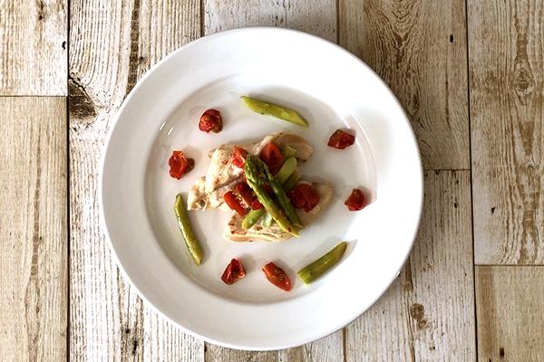 タンパク質豊富!鶏むね肉の簡単レンジ料理!